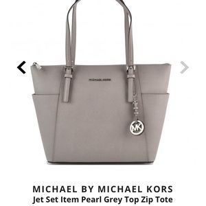 Michael Kors Jet Set Zip Top Tote